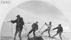Transport saniami rannej turystki2, 1942 (Narodowe Archiwum Cyfrowe)