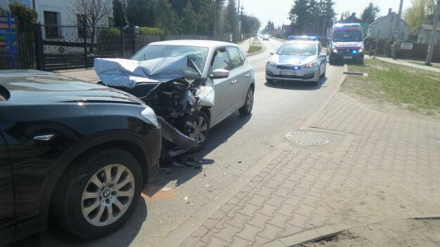 Czołowe zderzenie, jeden z kierowców pijany