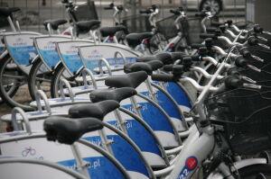 """Warszawski """"efekt Veturilo"""": samorządy pokochały rowery?"""