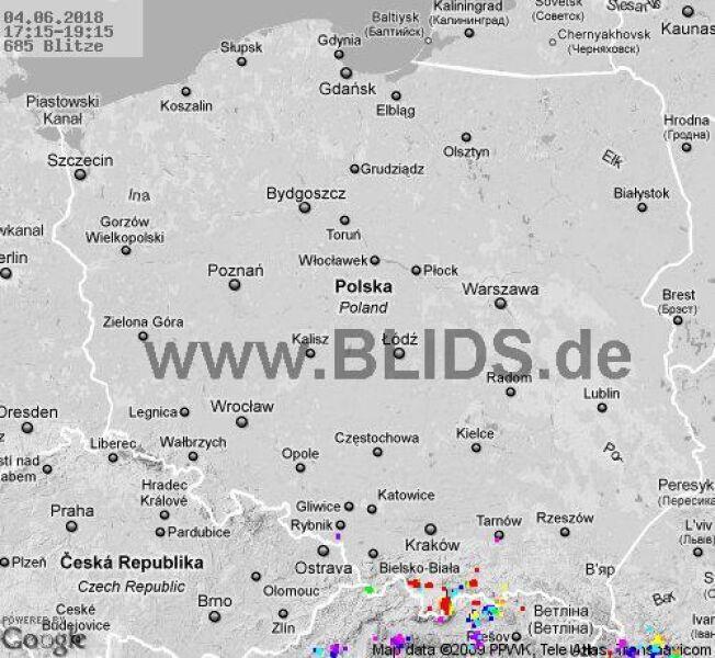 Ścieżka przechodzenia burz w godzinach 17.15-19.15 (blids.de)