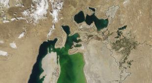 Jezioro Aralskie w latach 2000-2014 (NASA)