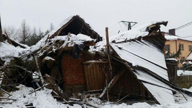 W Beskidach dachy zarwały się <br />pod ciężarem śniegu