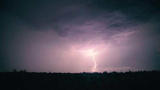 IMGW alarmuje: burze z gradem